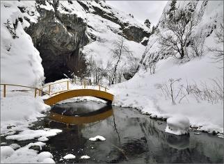 Зима. Каповая пещера. Портал. Фото И. Исламгазин