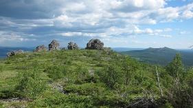 Останцы на плато Среднего Басега. Фото Н. Зенковой